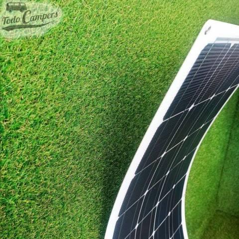 Placa solar semiflexible y curvable