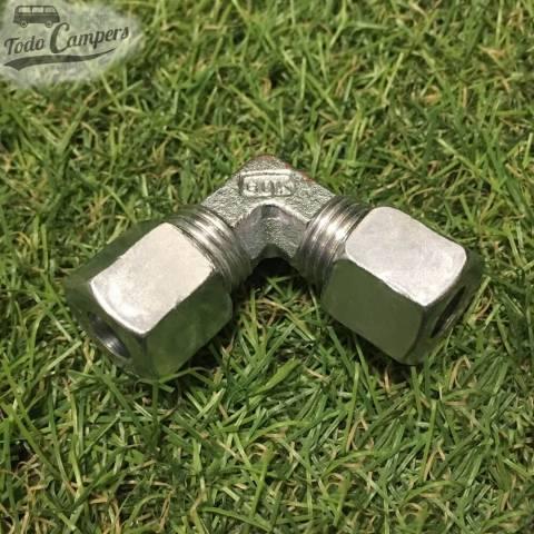 Conector codo ermeto 8mm para tubo de gas