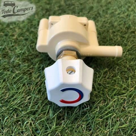 Válvula ideal para sistemas en los que hay instalados grifos de agua fría.