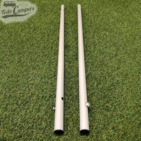 Tubos para la sujección de las cuatro patas que componen la mesa plegable