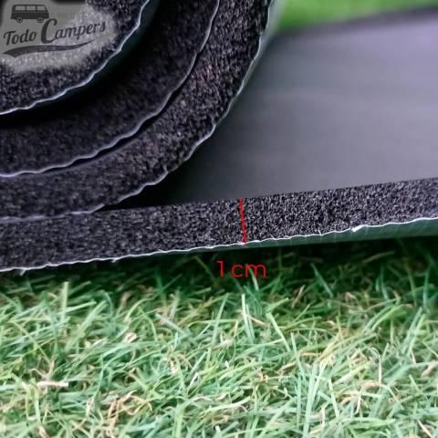 Aislante térmico autoadhesivo Kaiflex de 10 mm. Color negro por metros.