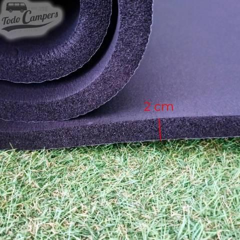 Aislante térmico autoadhesivo Kaiflex de 2cm. Color negro por metros.
