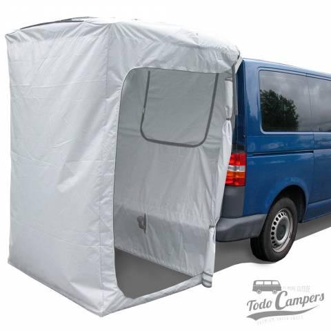 Cabina de portón trasero como sin necesidad de utilizar complejas estructuras que den forma y rigidez a la cabina