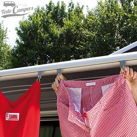 Enganches para colgar la ropa en toldo para campers, furgonetas o autocaravanas.