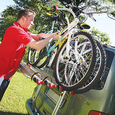 Transporta tus bicicletas fácilmente con este portabicis de Volkswagen T5
