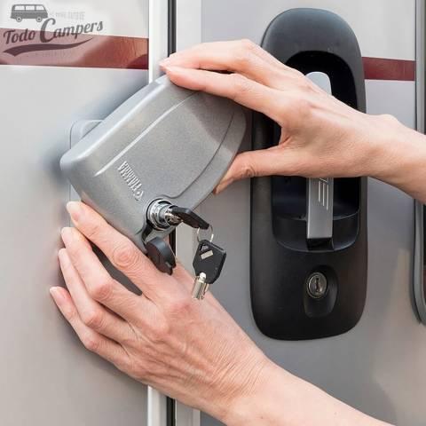 Uso Fiamma Safe Door (ejemplo en caravana o autocaravana)