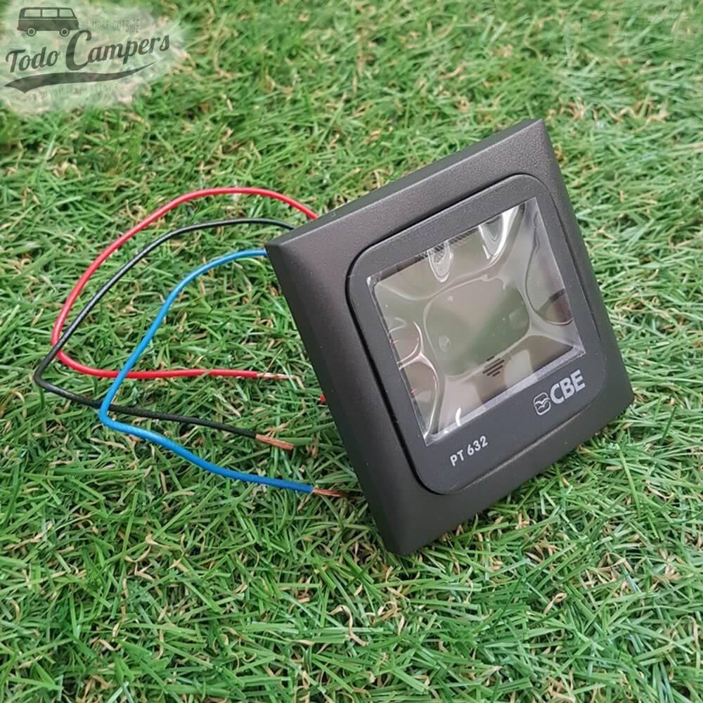 Voltímetro CBE Digital PT632 12V (para dos baterías)