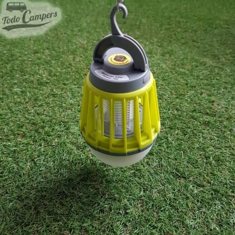 Lámpara para protegerte de los mosquitos mientras disfrutas en tu camper o caravana