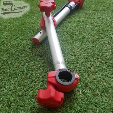 tuerca y sujeciones en rojo del Brazo Bike Block Pro D2 Rojo - Fiamma. Portabicicletas para furgoneta, autocaravana o caravana