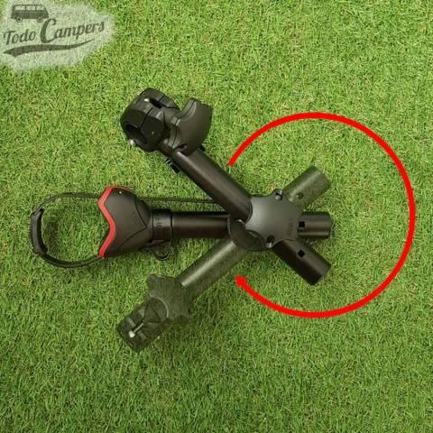 Ángulo de rotación del brazo para portabicicletas Fiamma Carry Bike Pro Deep Black.