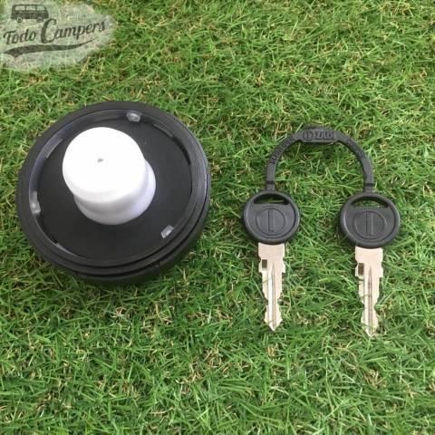 Bocana de agua con tapón (con llave) - Color Negro - Juego de llaves ZADI - Vista Trasera