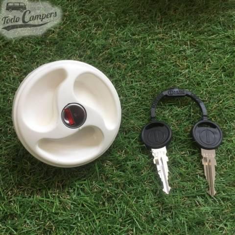 Bocana de agua con tapón (con llave) - Color Blanco - Juego de llaves ZADI - Vista Frontal