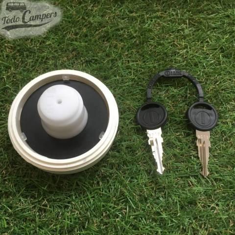 Bocana de agua con tapón (con llave) - Color Blanco - Juego de llaves ZADI - Vista Trasera