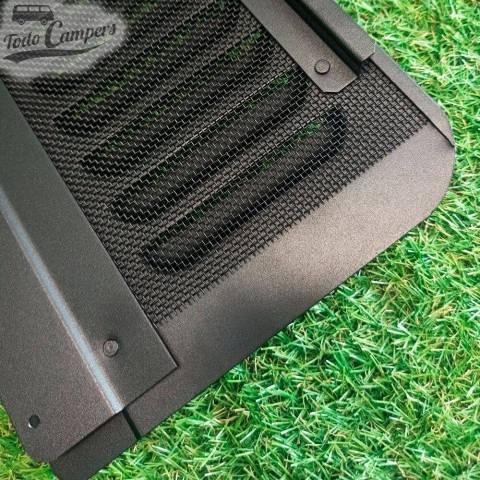 Detalle de la rejilla negra del Air Vent versión corta de WV T4 del 90-02