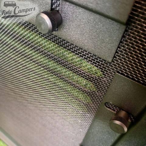 Rejilla de ventilación Air Vent para la ventana situada inmediatamente detrás del conductor de la T6.1 del 2020