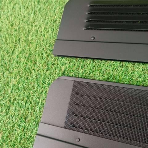Detalle de las rejillas de ventilación de los Air Vents para chasis X250.