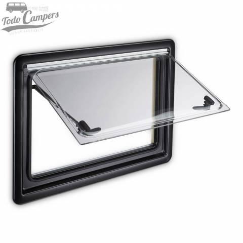 Ventana Dometic Seitz S4 abierta que incluye un marco interior adecuado para grosores de pared de 26 mm